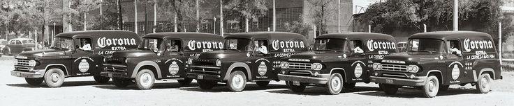 … Pero le gana la de los años 50. | 29 Fotos de la cerveza Corona que te enseñarán lo mucho que ha cambiado México