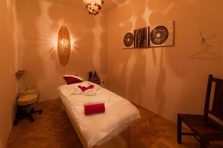 Malai Thaimassage & Spa in Muenchen zum Erholen.   www.malaithaimassage.de #malai #thaimassage #spa #muenchen #schwabing #thailand #wellness #Erholung #Entspannung #Kraeuterstempel #Yoga #thai #massage