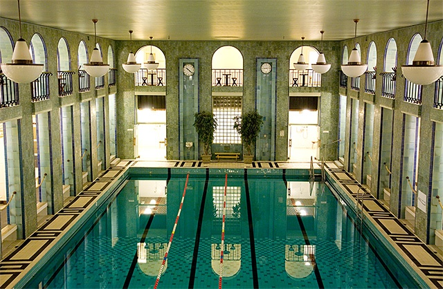 Swimhall in Helsinki center, built 1928 - Yrjönkadun uimahalli, best place to relax in the middle of the town.