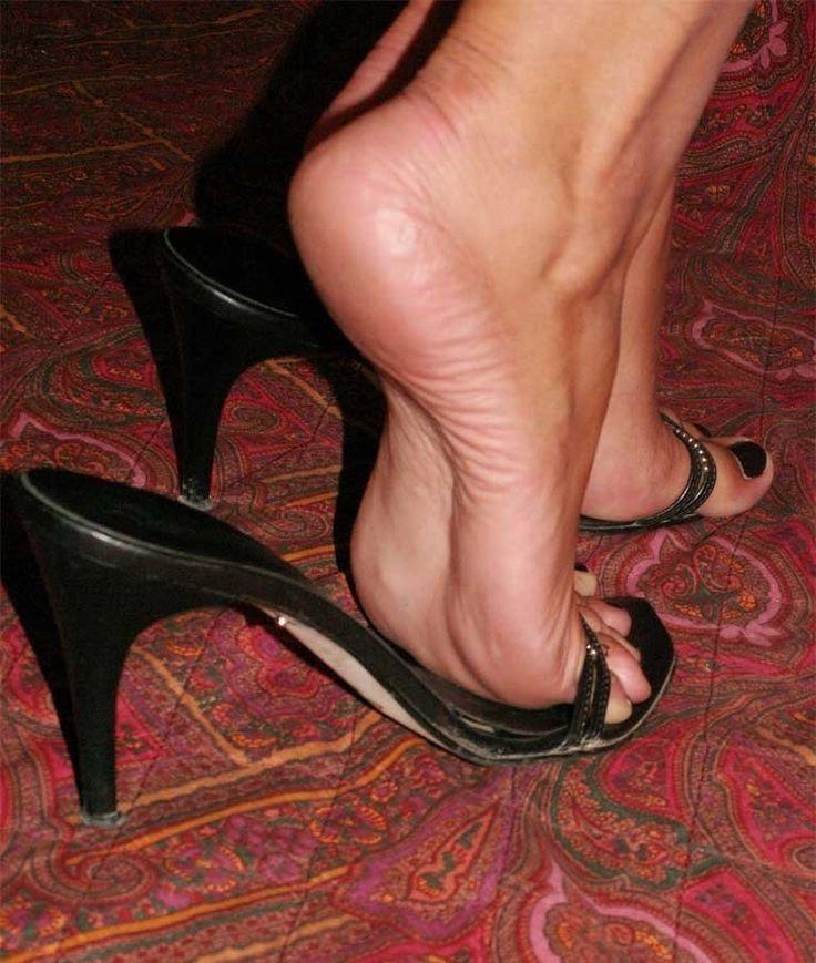 номерными фетеш фото ботинки разных пёрышек прозрачном