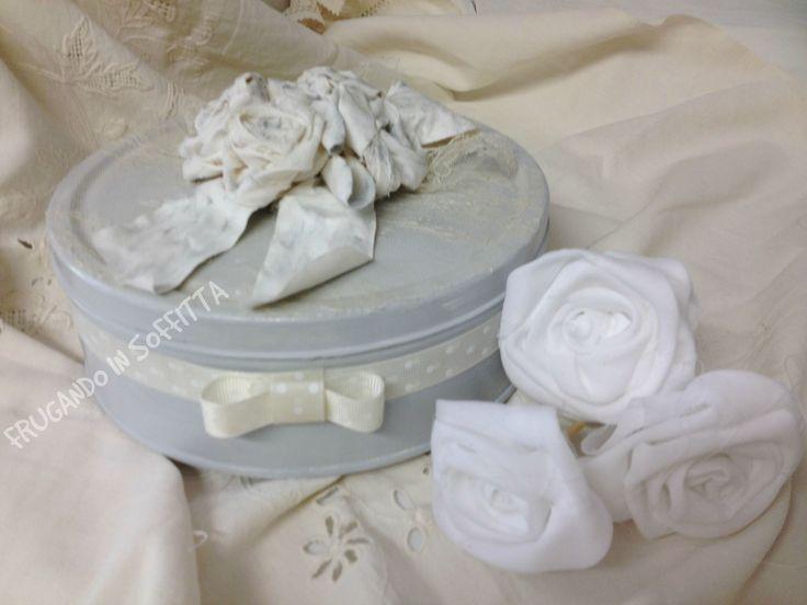scatola shabby  dipinta e decorata con fiori tessuto
