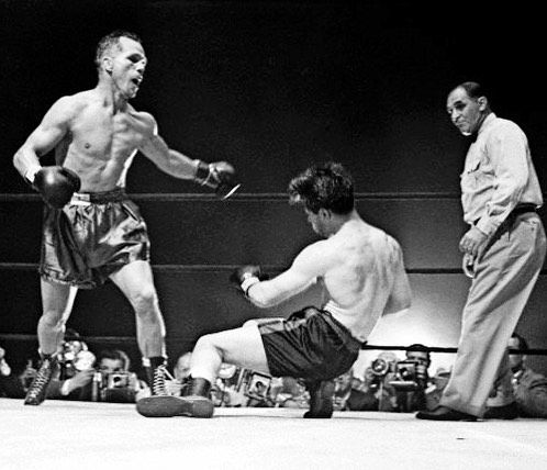On This Day: Tony Zale blitzed Rocky Graziano in the rubber match of their memorable trilogy LINK IN BIO http://www.boxingnewsonline.net/on-this-day-tony-zale-blitzed-rocky-graziano-in-the-rubber-match-of-their-memorable-trilogy/  #boxing #BoxingNews  #ZaleGraziano
