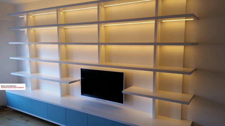 Modern TV Library - Moderne strakke boekenwand met plaats voor TV door www.myhouse-amsterdam.nl