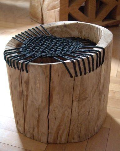 Mon oeil a tendance à être attiré par les mélanges corde/bois ces jours-ci. Voici un exemple intéressant de cette combinaison. J'aime particulièrement la manière dont la corde a été tressée. Natanel Gluska...