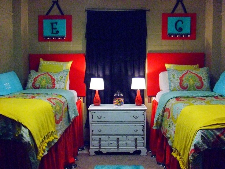 Really cute matching dorm!  Design Your Spaces  Pinterest ~ 045423_Matching Dorm Room Ideas