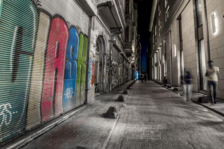 Balyoz Sk., Istanbul, Turkey (2017) - Vedlejší ulice Třídy nezávislosti (Istiklal Caddesi) ve čtvrti Beyoğlu. #balyoz #istanbul #turkey #turecko #beyoglu #street #istikal #turkiye