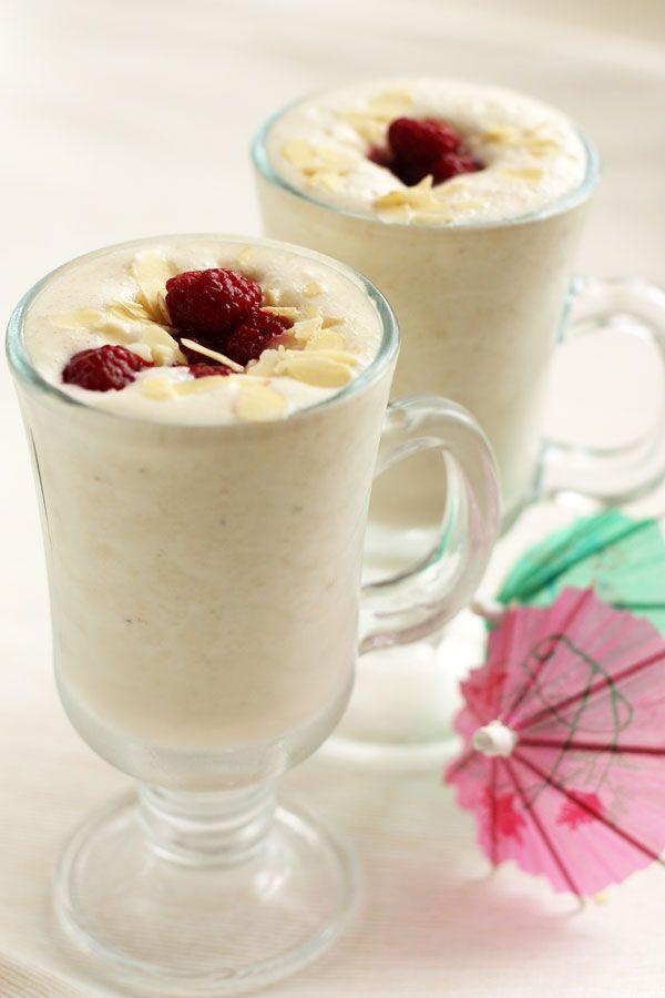 Milkshake for breakfast. Recipe: http://wonderdump.com/milkshake-for-breakfast/