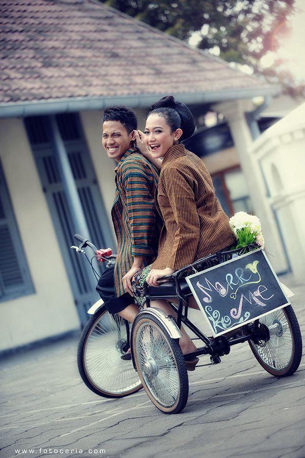 Happy Wedding Mbak Syara dan Mas Ragan yang menikah hari ini ^^ .  Phone & WhatsApp: 0857 0111 1819 . YM & email: foto.ceria@yahoo.com . PIN BB: 2 5 B 3 E 6 8 7 . Facebook: Foto Ceria . LINE & Instagram: fotoceria . Twitter: @Foto Ceria . Website: www.fotoceria.com  . fotoceria prewedding couple wedding pernikahan perkawinan menikah pengantin foto fotografer weddingphotographer Yogyakarta Jogja love happy romantic smile ceria happywedding batik sepeda CeriaLovers SharePict