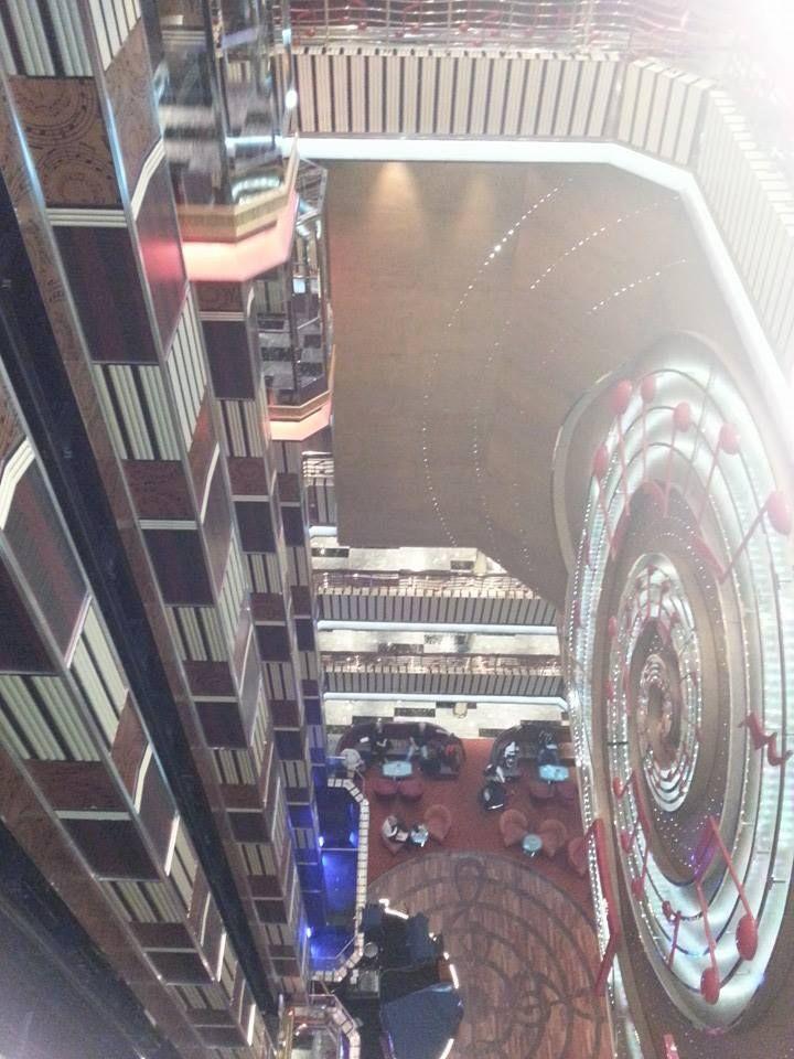 45 migliori immagini distopia da crociera su pinterest for Salottini per esterno economici