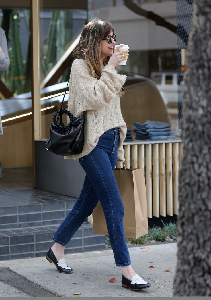 How to walk likeA queen!  Dakota Johnson was seen shopping on Melrose Place in Los Angeles, California (Mar. 1st,2018) Cr. @DakotaJLife