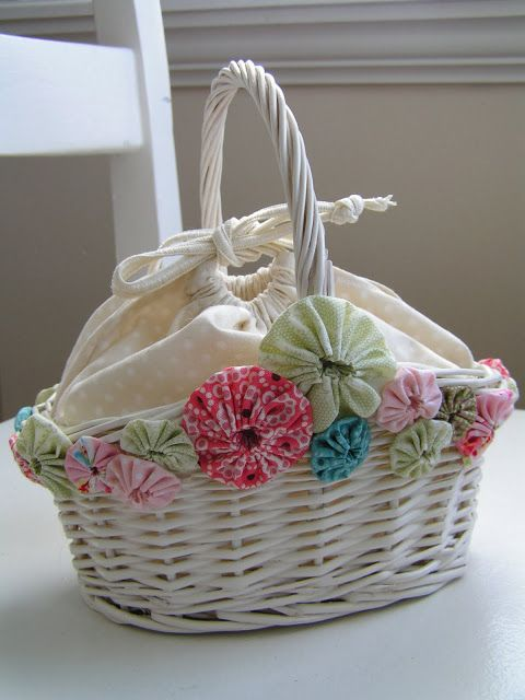 Tea Rose Home: Basket Makeover with Yo-Yos