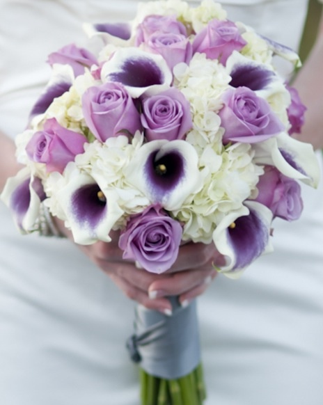 Bride flowers  roses, hydrangea , calla Lilly's