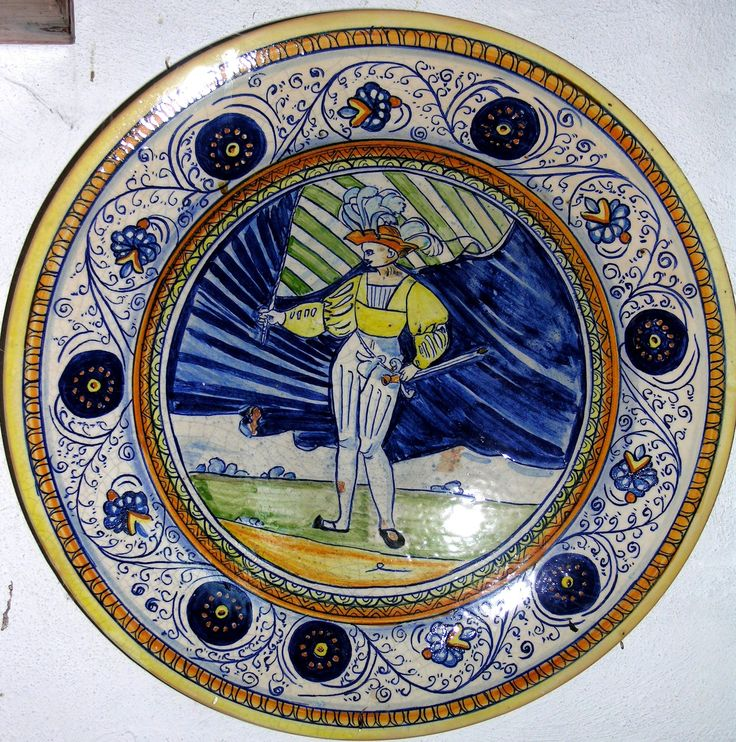 piatto di maiolica antica riproduzione