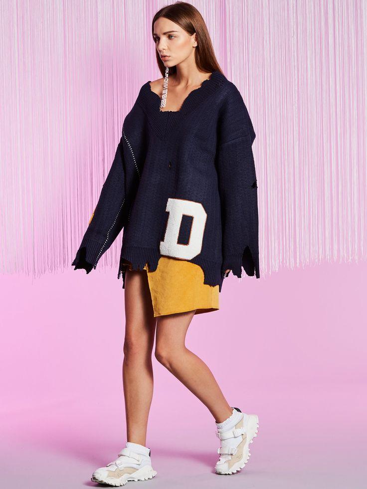 Chicloth Loose V-Neck Letter Flocking Women's Knitwear