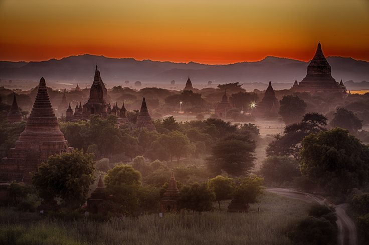 Colors change continuously during the sunsets and sunrises in Bagan. Photo: John Einar Sandvand More photos: http://sandvand.net/photography-myanmar-marvelling-temples-bagan