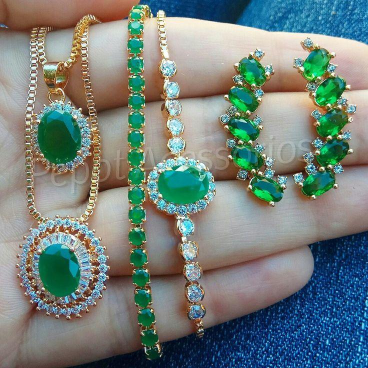 Mix verde apaixonante ❤ Brinco Ear Cuff 24.90 Pulseira Riviera 22.90 Pulseira pedra oval 24.90 Colar 24.90 e 27.90 ❤ Confira como ganhar até 40% de desconto em nosso site http://pepot.com.br #brincos #verde #pulseiras #colares #earcuff