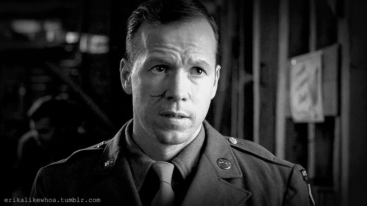 band of brothers - donnie wahlberg as C.Carwood Lipton