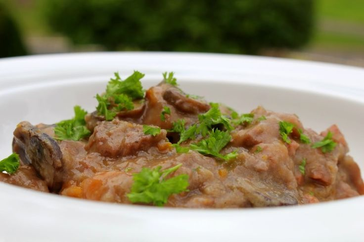 #beef that melts in your mouth: @feistytapas bourguignon Thermomix #recipe @mickeydownunder