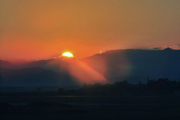 Sunrise di Batangase Kabupaten Maros Sulawesi Selatan, Indonesia