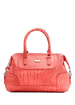 super cute for spring....MANGO - Coral Handbag