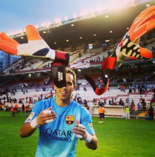 A new record to remember! Claudio Bravo. BARCELONA FC
