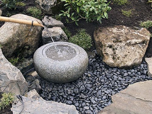 Japanese Zen Garden Ornaments - bamboo water fountain (Tsukubai).