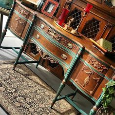 Laura White of Milk Can Maddy used our Metal Effects Copper Reactive Metallic Paint with both Green and Blue Aging Patinas to highlight this gorgeous buffet.