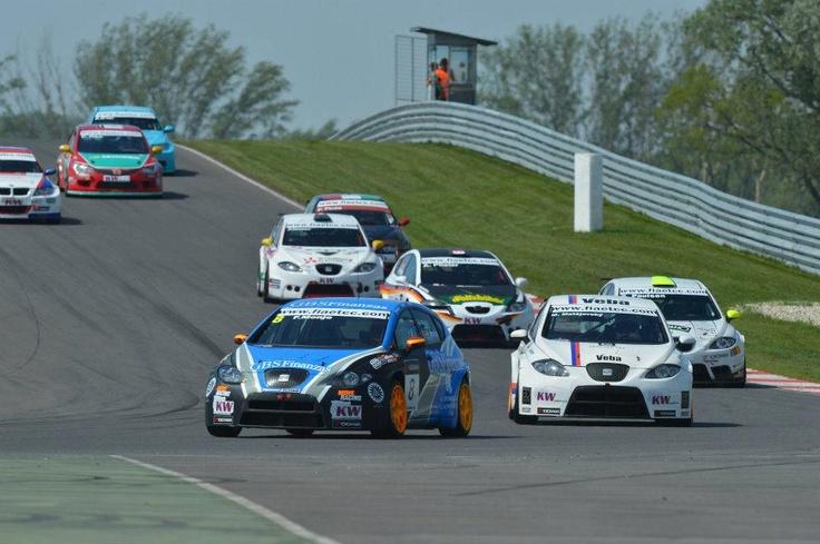 SEAT Sport's customers in ETCC Slovakia meeting.
