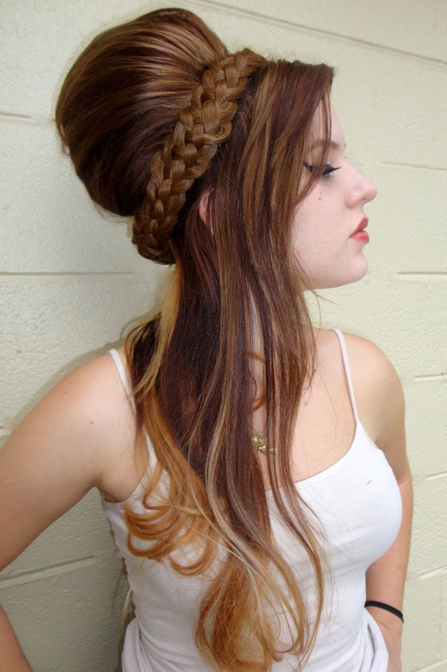 Amy Winehouse-inspired beehive. Get the full tutorial here! http://www.modernsalon.com/hair-photos/how-to/amy-winehouse-beehive-how-to-162362576.html#