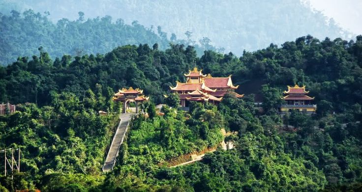 Vietnam has a lot of national parks which is very diverse in fauna and flora. Among them, Bach Ma National Park seems to be quite different. Here are top best places that you should explore when visiting Bach Ma.
