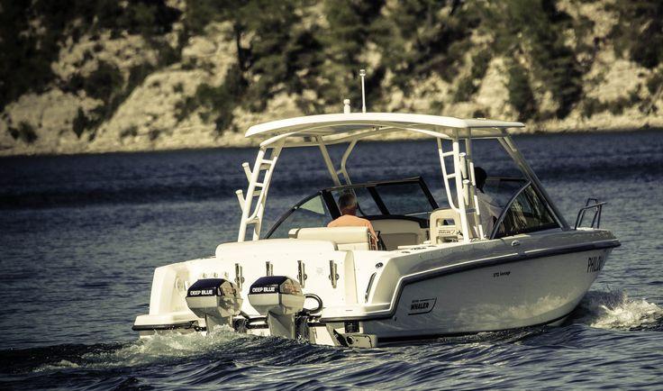 """Boston Whaler 270 Vantage en mode bateaux électrique"""" avec deux Torqeedo Deep Blue 80HP. Retrouvez l'essai sur : www.hors-bord-electrique.com"""