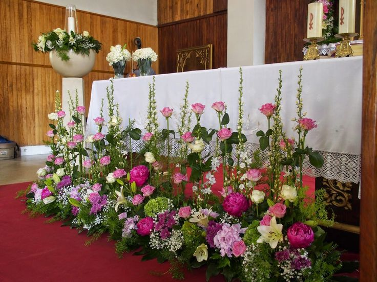 17 best ideas about arreglos florales para iglesia on - Decoracion para pasillos ...