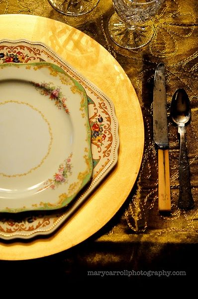 Love this mismatched place setting Providence Ltd Design - ProvidenceLtdDesign