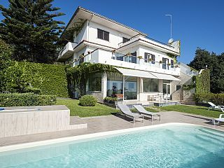 Villa+With+Pool+And+Spectacular+Views+On+The+Coast+++Holiday Rental in Catania…