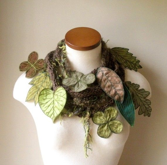 What a fun scarf! I would totally wear this, with a simple white tee or sweater and cute jeans.