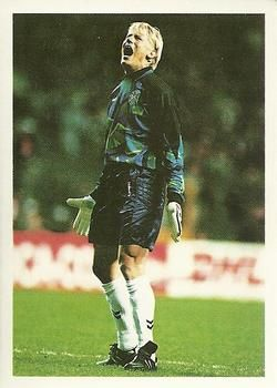 1998 Brooke Bond PG Tips International Soccer Stars #12 Peter Schmeichel Front