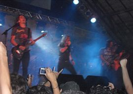 AngraLiveFortaleza.jpg Angra é uma banda brasileira de power metal progressivo, formada na cidade de São Paulo em 1991, pelo vocalista e tecladista Andre Matos e os guitarristas Rafael Bittencourt e André Linhares, após se conhecerem na Faculdade Santa Marcelina, onde cursavam composição e regência.