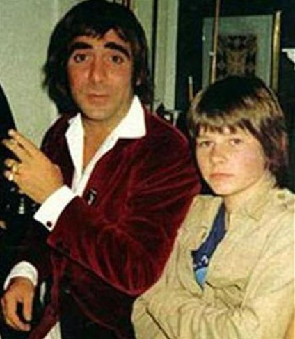 Zak Starkey, who turns 48 today, would have to master the skill all by himself…with a little help from his dad's good mate, Keith Moon of The Who. Description from hipquotient.com. I searched for this on bing.com/images
