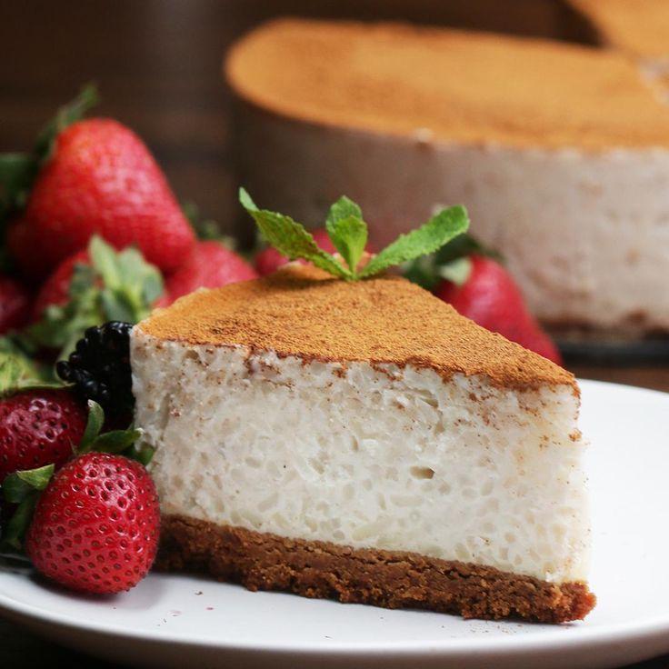 Cremoso pastel de arroz con leche Salvadorian Food, Cake Recipes, Dessert Recipes, Crepe Cake, Tasty Videos, Cake Videos, Some Recipe, Food Cakes, Mexican Food Recipes