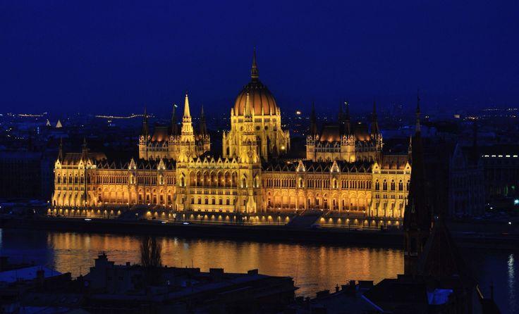 Ночные огни города (Парламент)