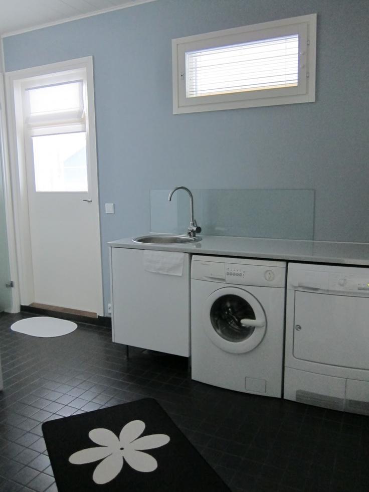 Vinkkejä toimivaan kodinhoitohuoneeseen! | All you need is White