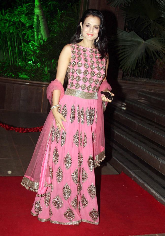 Amisha Patel Looked Beautiful In A Pink Ethnic Dress At