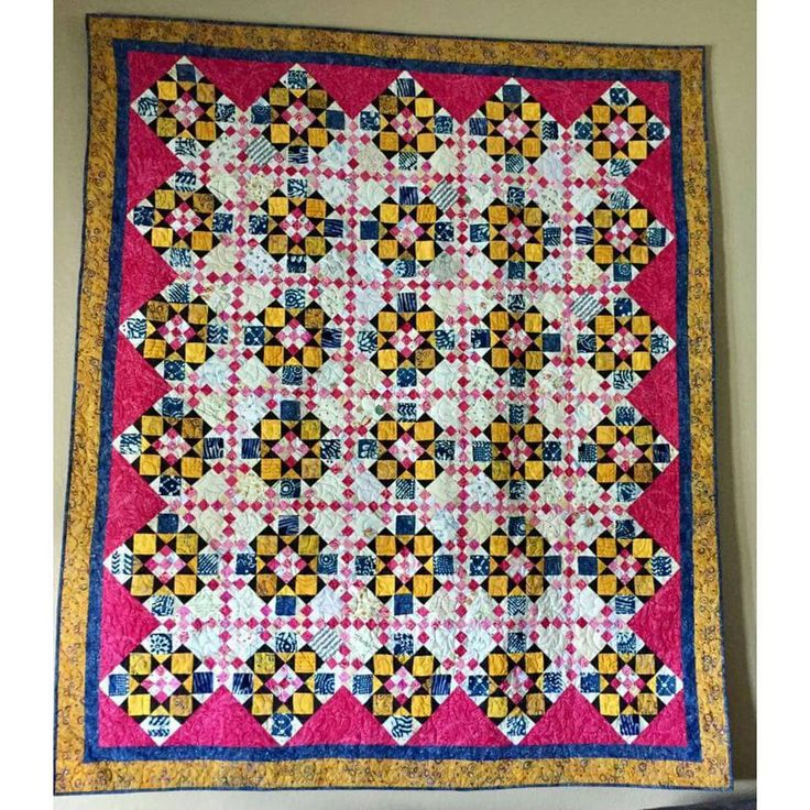 """Check out Marti Rajotte's Double Delight, an early Quiltville Mystery!  She writes:""""Up and hanging!  My version of Bonnie K Hunter's Double Delight! So named for the two color pinks in each pink fabric!  Thanks Bonnie once again!"""" I love it, Marti!  .  .  The pattern for Double Delight is found under the free patterns tab down at the bottom of the page where the old mysteries still reside.   .  .  .  #quilt #quilting #patchwork #quiltville #bonniekhunter #quiltvillemystery #quiltsbyyou"""