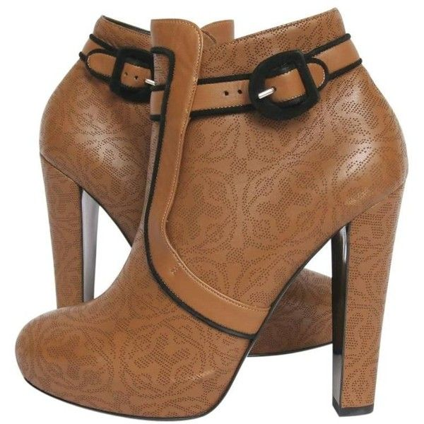 Preowned Hermes Ankle Boots In Brown Lace Leather Size 38.5 Eu (3,535 PEN) ❤ liked on Polyvore featuring shoes, boots, ankle booties, ankle boots, brown, leather bootie, short brown boots, brown leather ankle booties, leather booties and brown booties