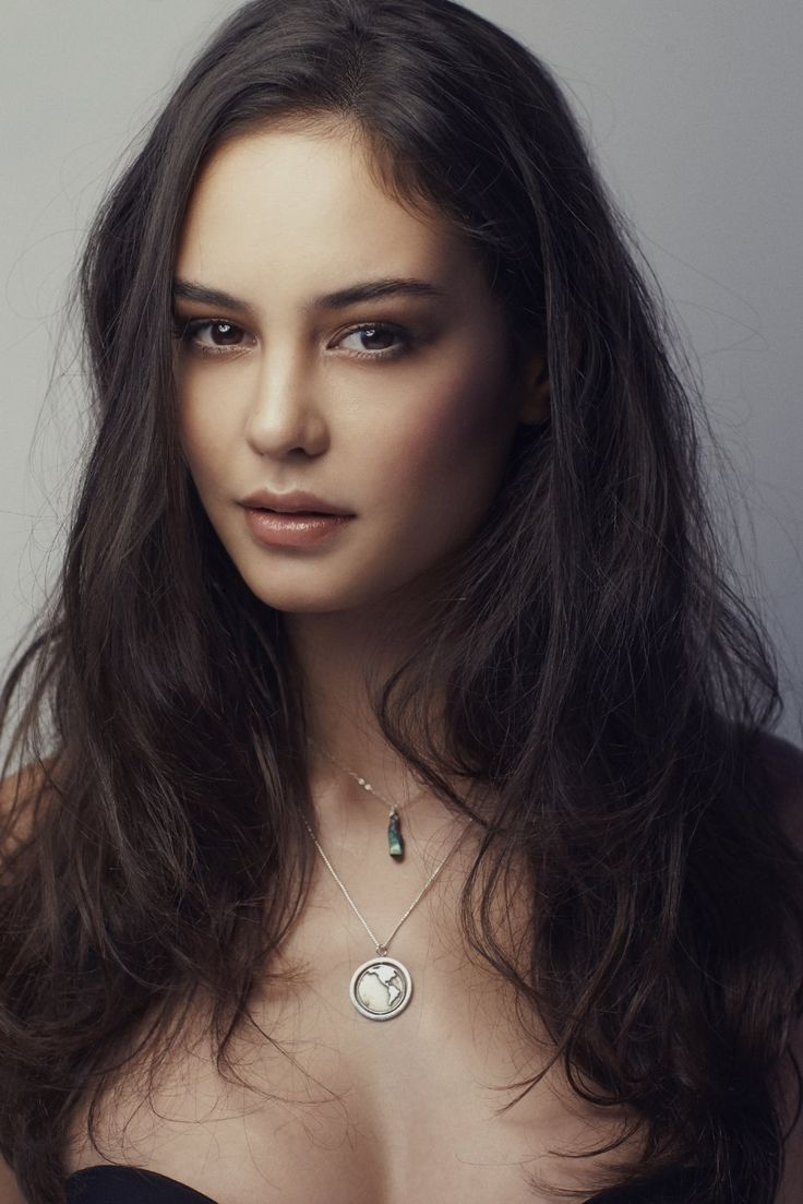 Lady Evelynne Blanche Mercer (Face Claim: Courtney Eaton)