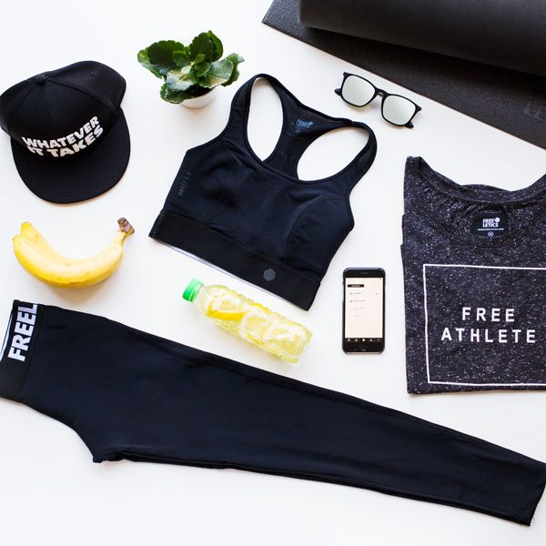 Fitness and workout outfits. Lightweight, breathable and stretchy. Discover the new Freeletics Performance collection. Shop here your next training outfit ►►► https://shop.freeletics.com