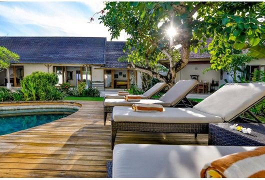 Villa Damai Kecil is perfectly located in heart of Seminyak, Bali´s trendiest area. Within walking distance you will find numerous...