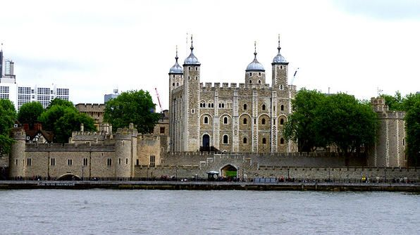 The Tower of London: Tower Of London, London Town, Towers Of London, London Homes, London Calling, Legends, Br Towers, Crowns Jewels, Photo