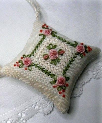 Brazilian Embroidery༺✿༻                                                                                                                                                      More