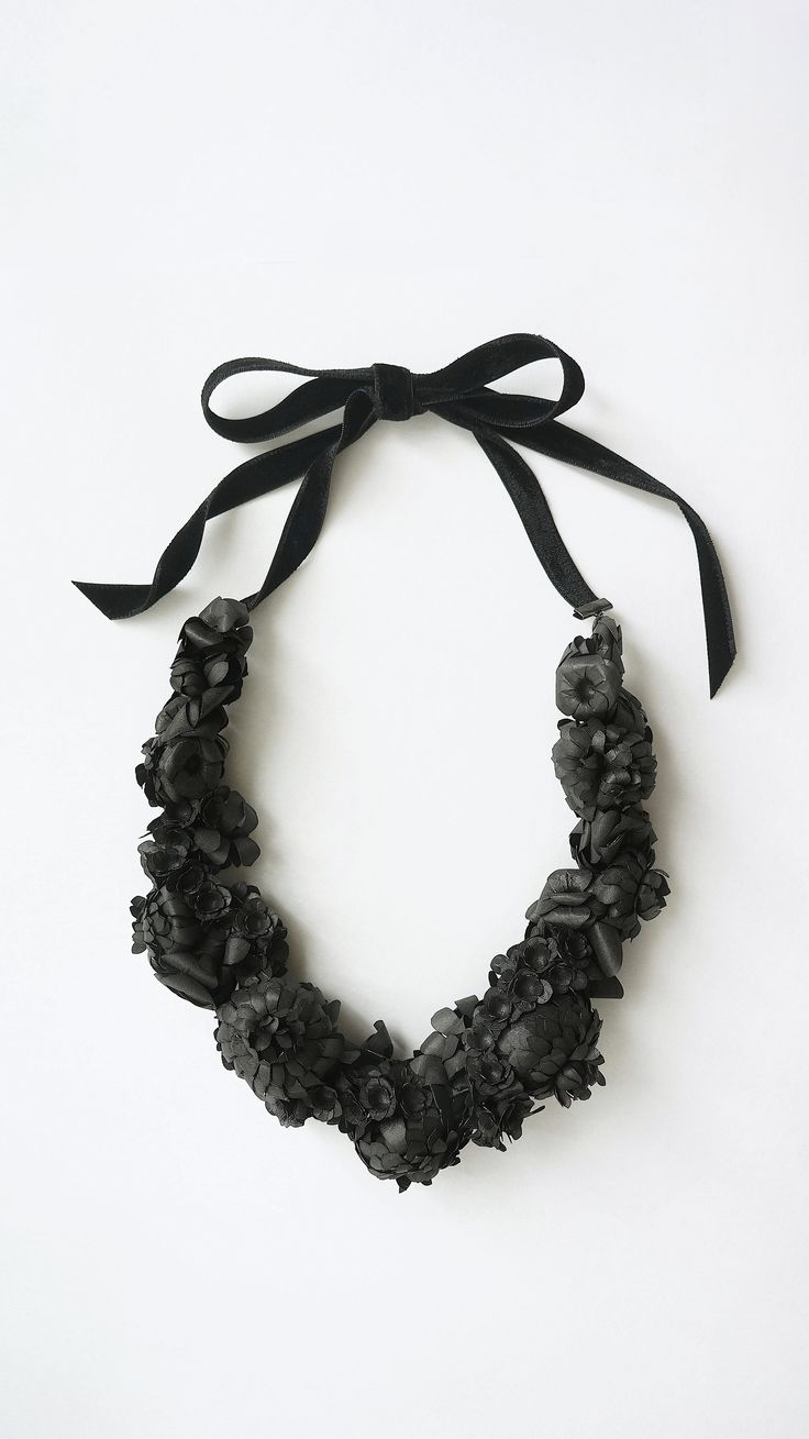 Collaboration with Japanese traditional WASHI paper. Paper flower necklace. ayukohishikawa.com http://siwa-collection.jp/ca/features
